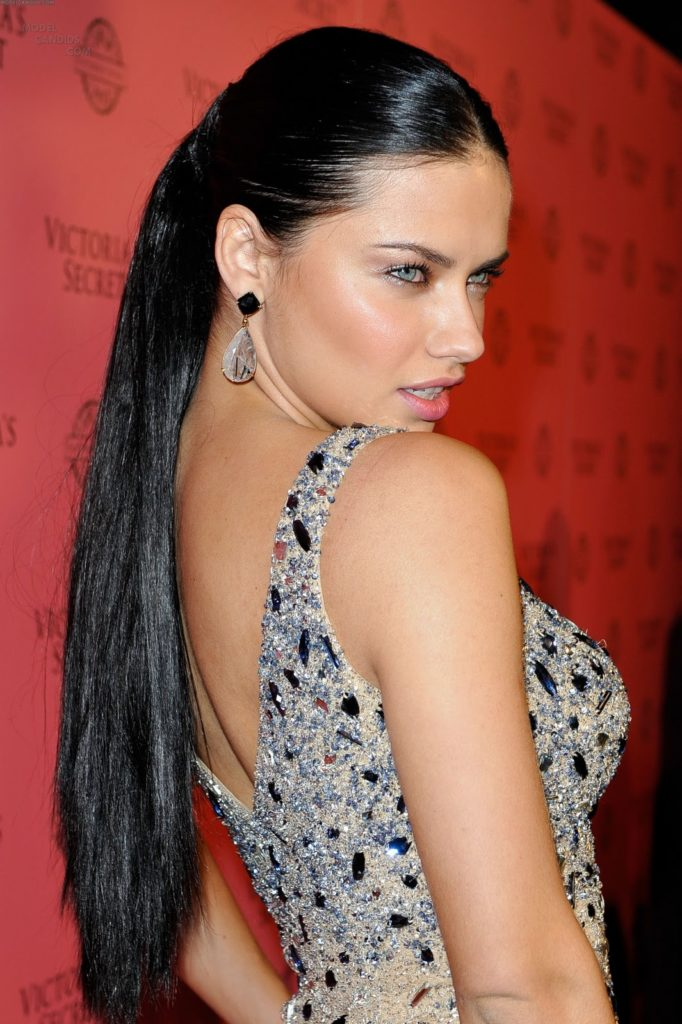 Adriana Lima Beach Pictures