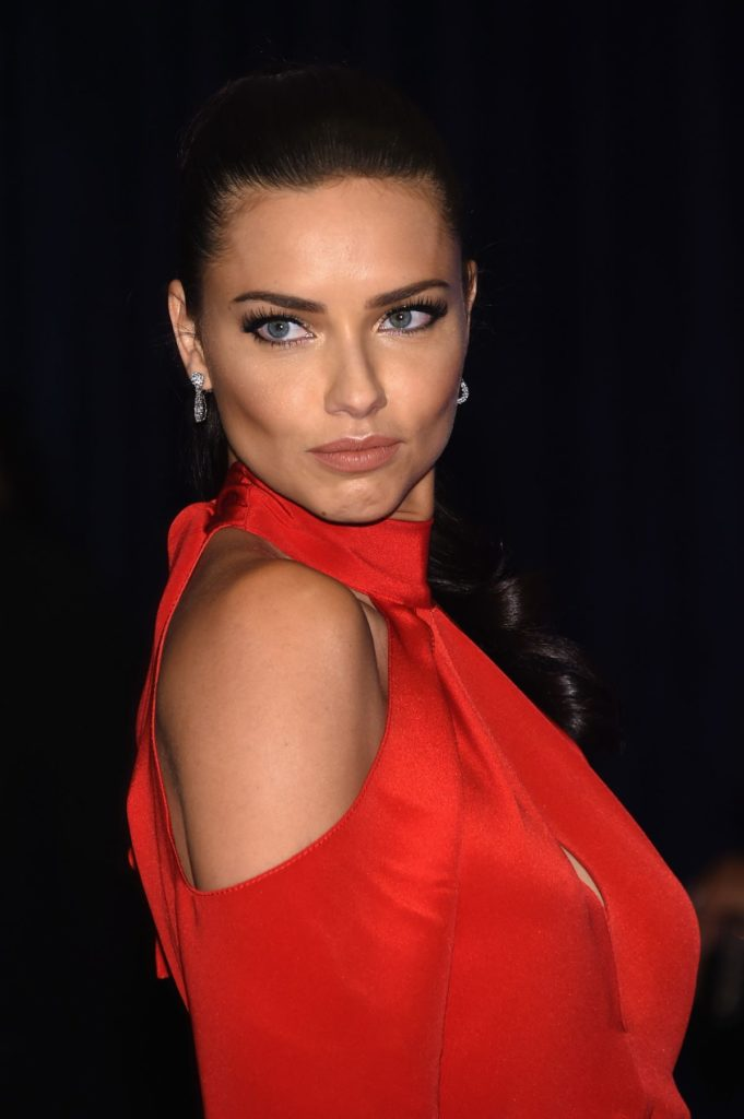 Adriana Lima Hair Style Wallpapers