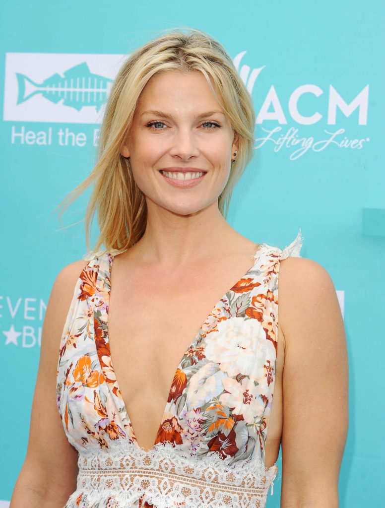 Hollywood Actress Ali Larter Hot HD Wallpapers | Out