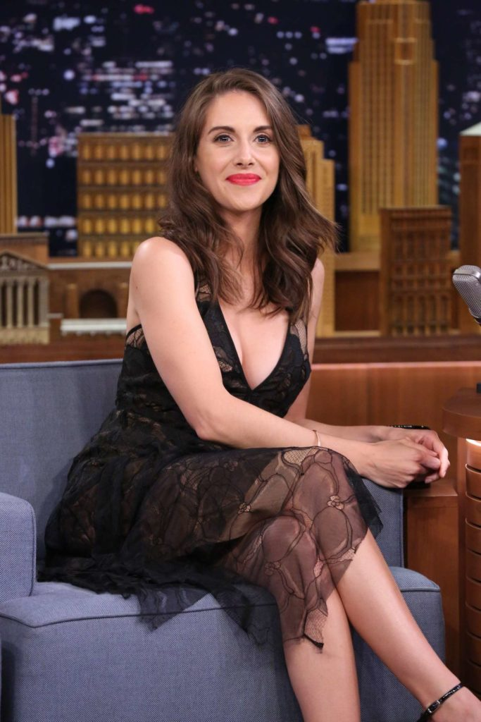 Alison Brie Feet Wallpapers