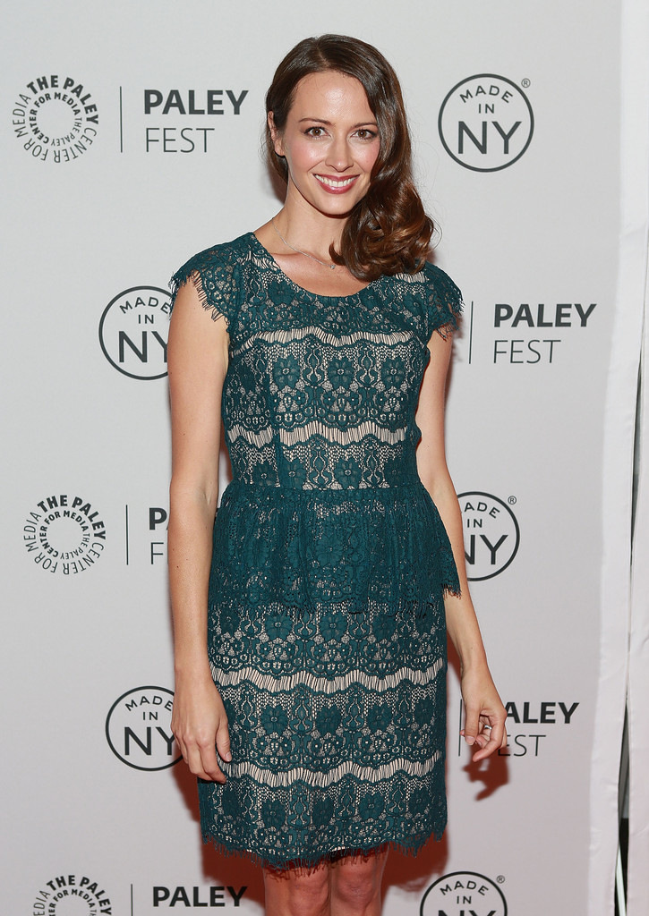 amy acker - Page 2