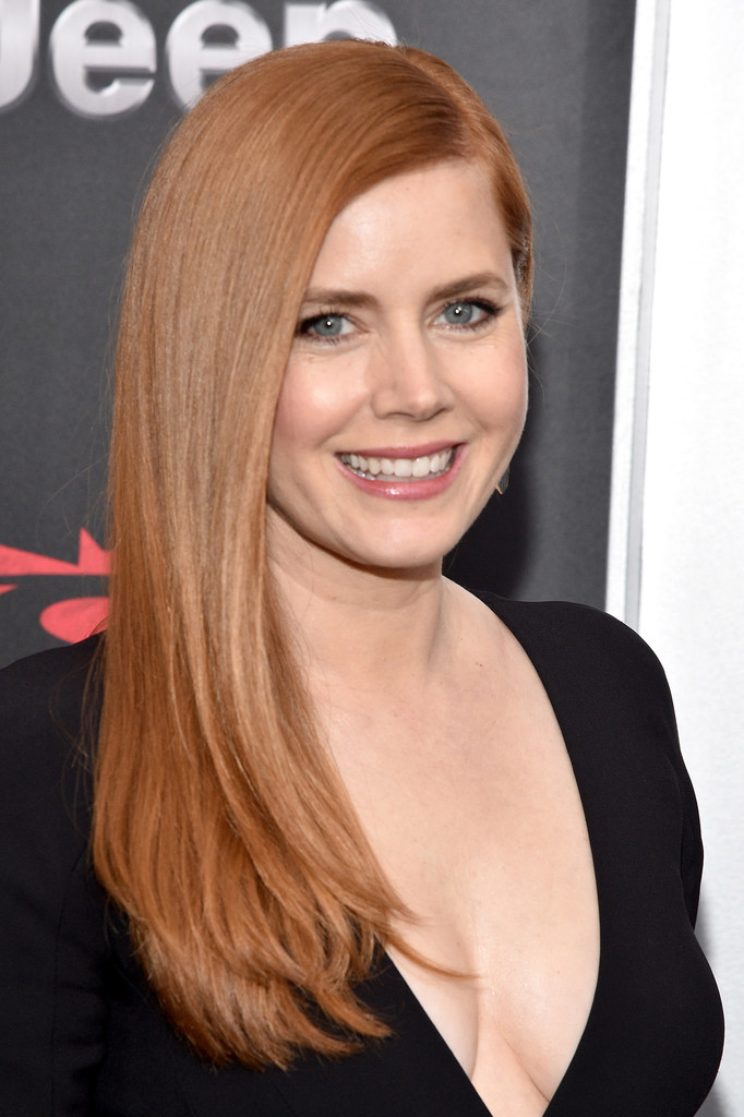 Amy Adams Braless Photos