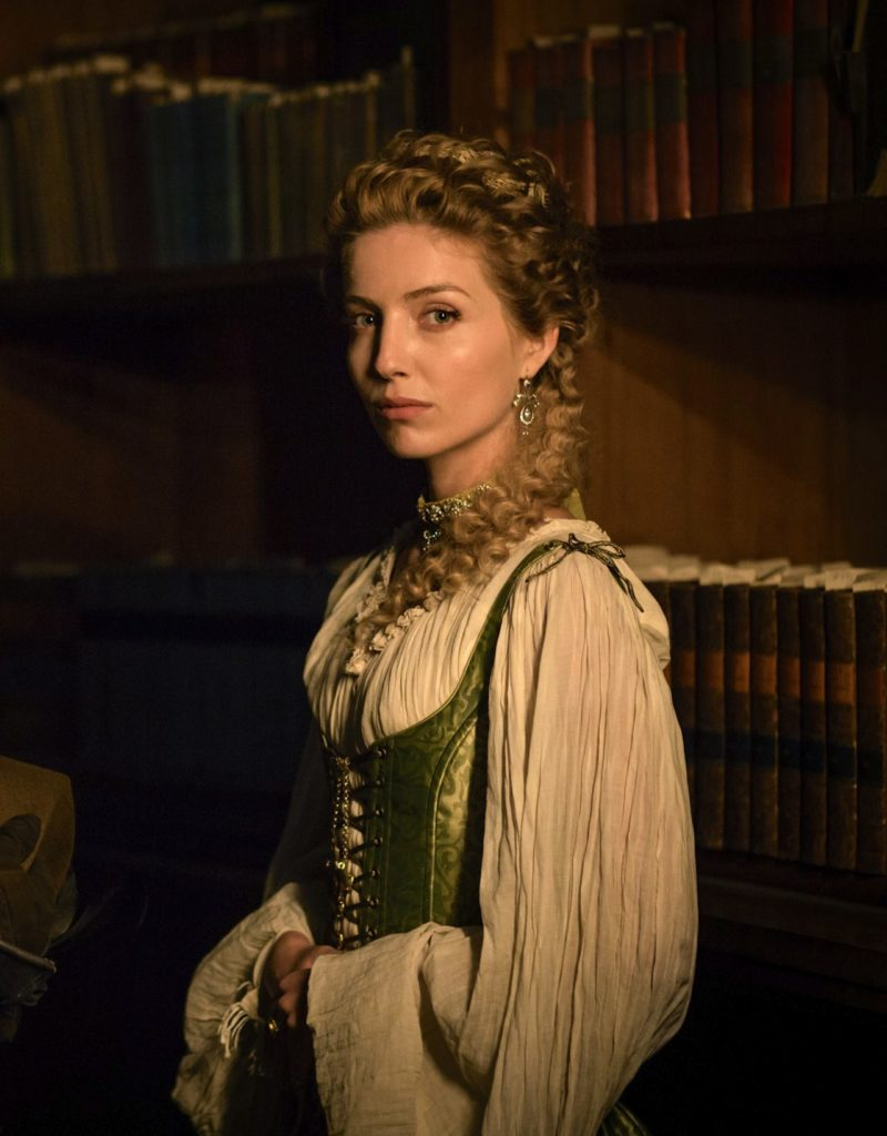 Annabelle Wallis HD Pictures