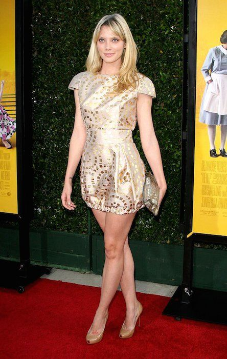 April Bowlby Feet Pictures