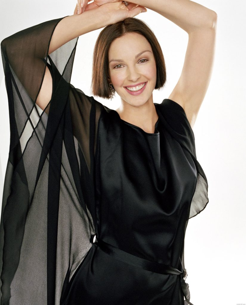 Ashley Judd Swimsuit Pictures