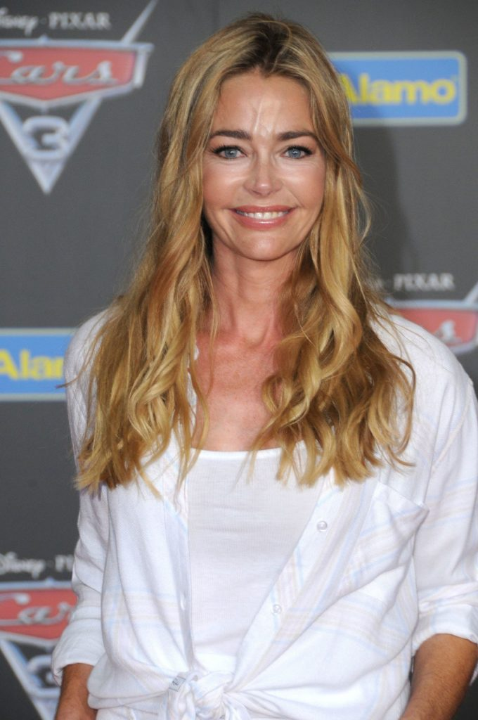 Denise Richards Cleavage Wallpapers