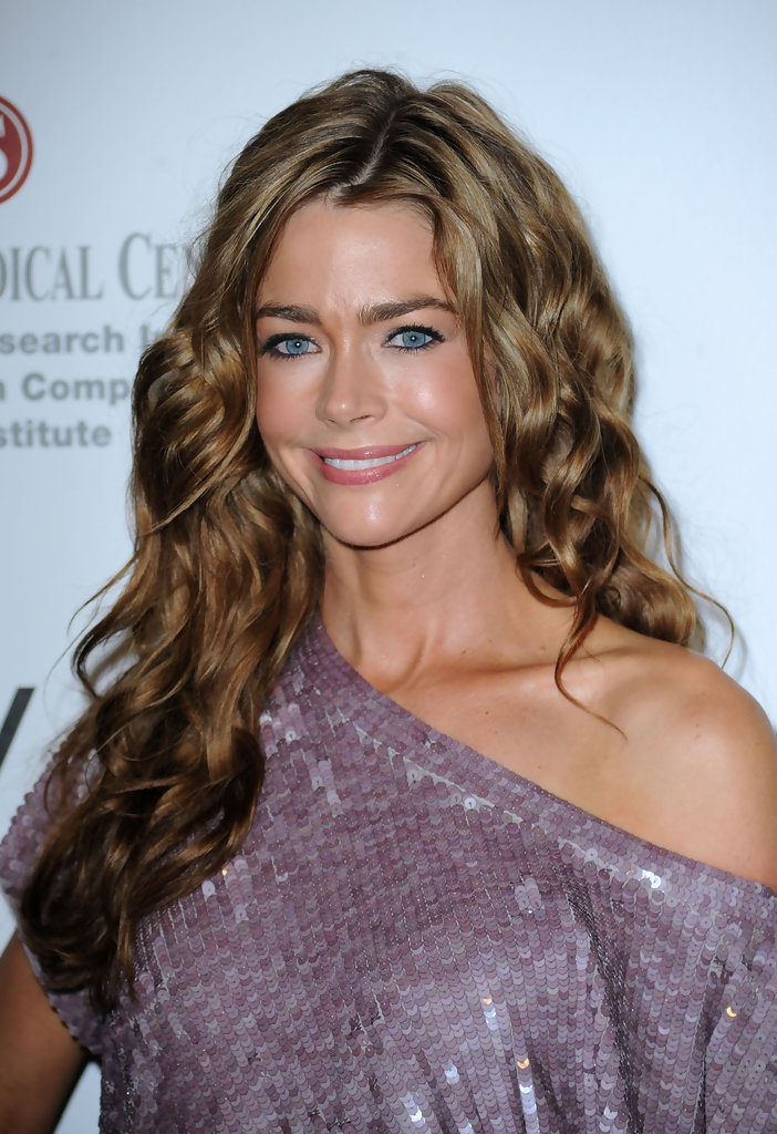 Denise Richards Jeans Wallpapers
