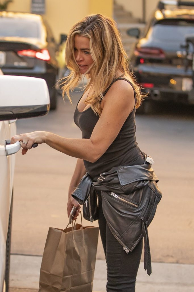 Denise Richards Oops Moment Images