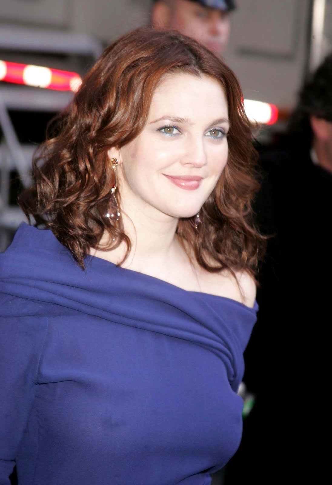 Drew Barrymore Hot Pictures Will Make You Go Crazy For