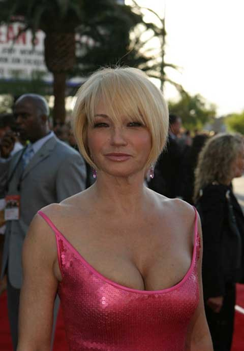 Ellen Barkin Cleavage Pictures