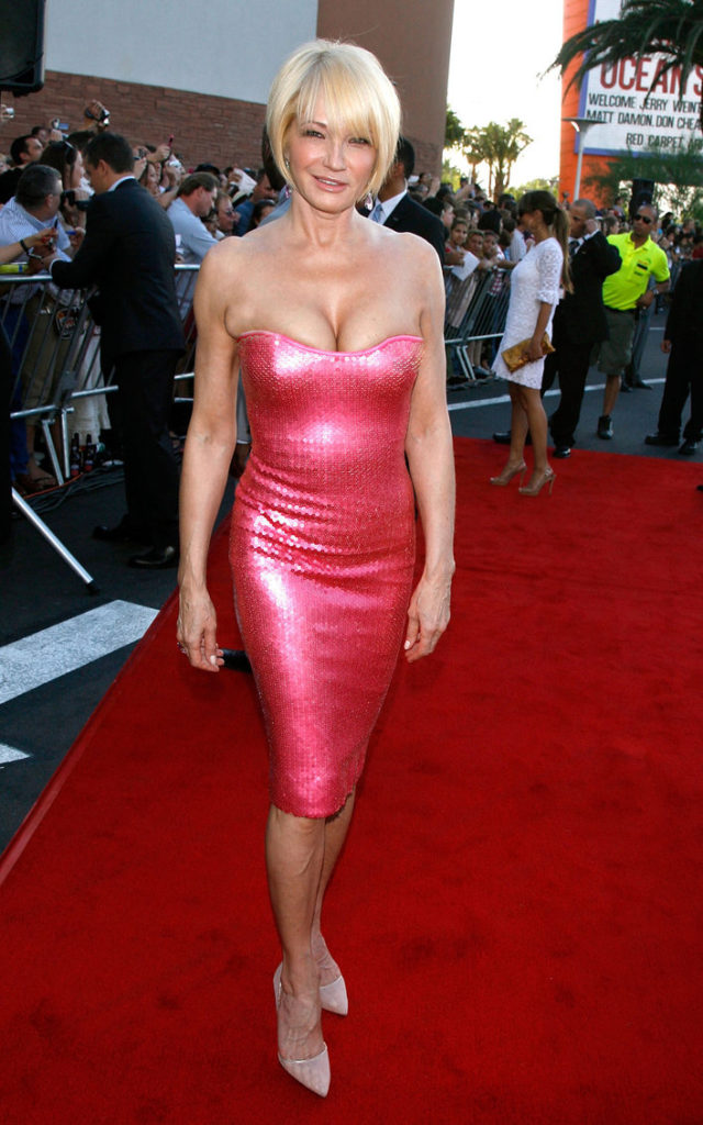 Ellen Barkin Legs Photos