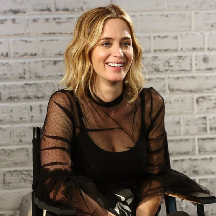 Emily Blunt Smile Face Photos
