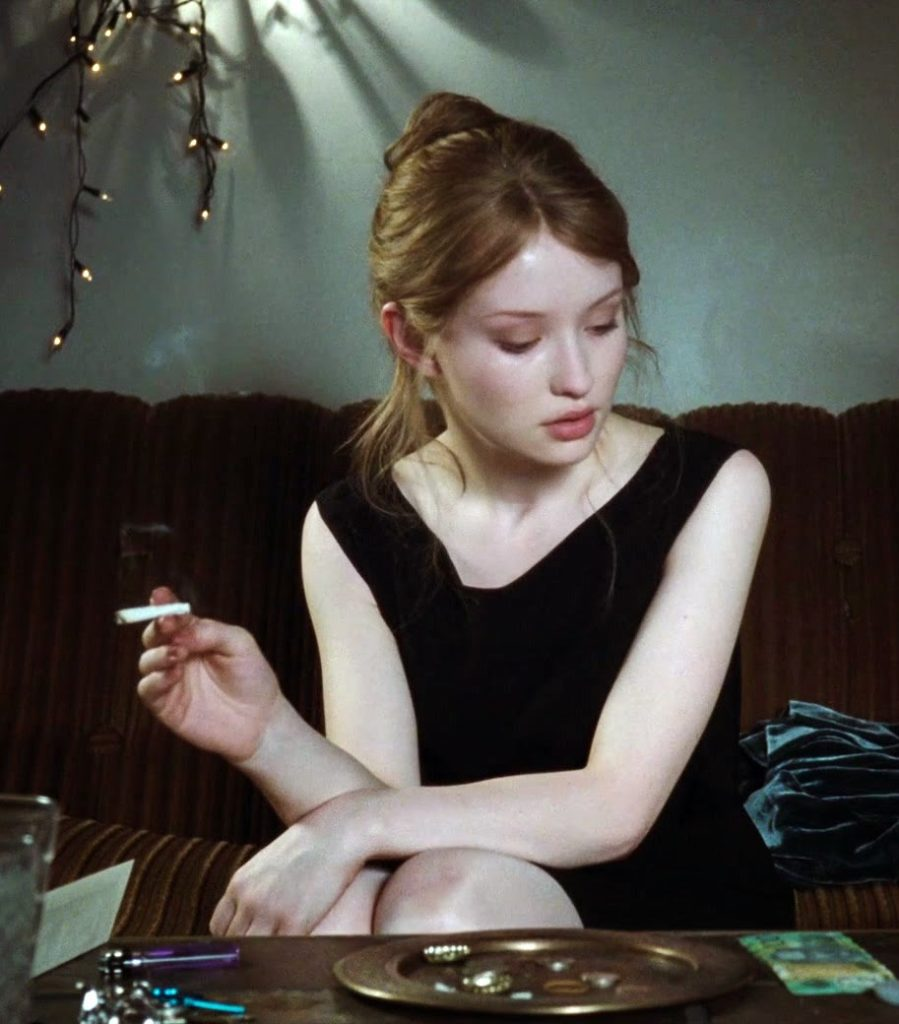 Emily Browning Smoking Pictures