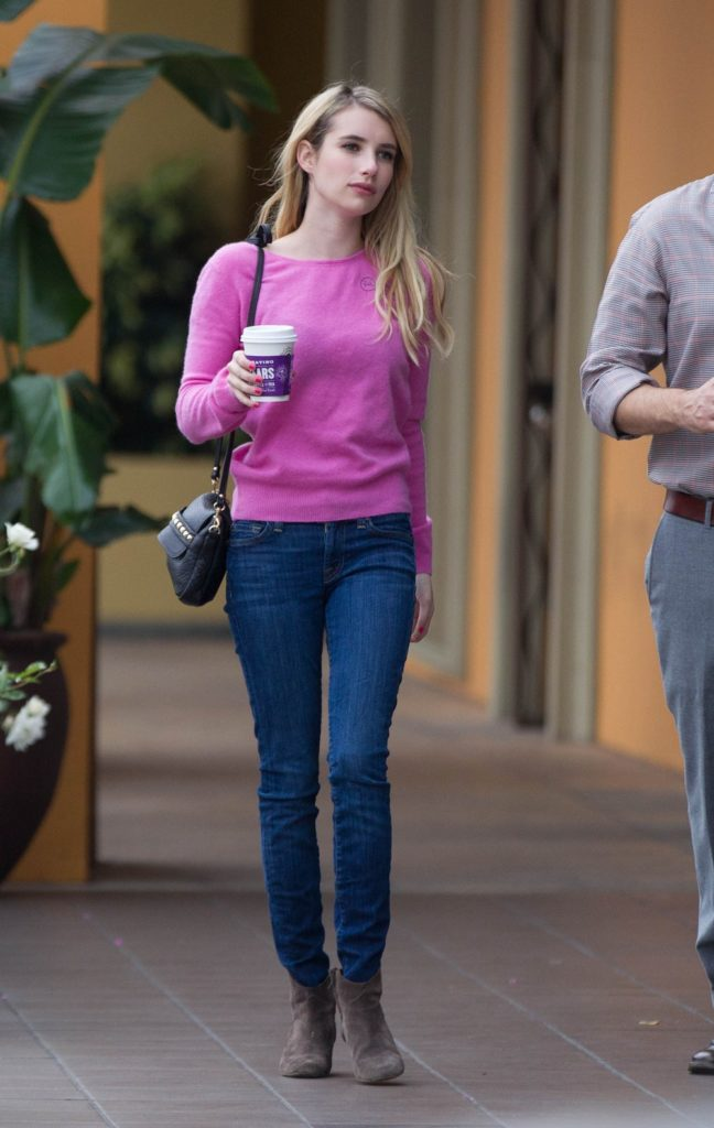 Emma Roberts Hot Pictures