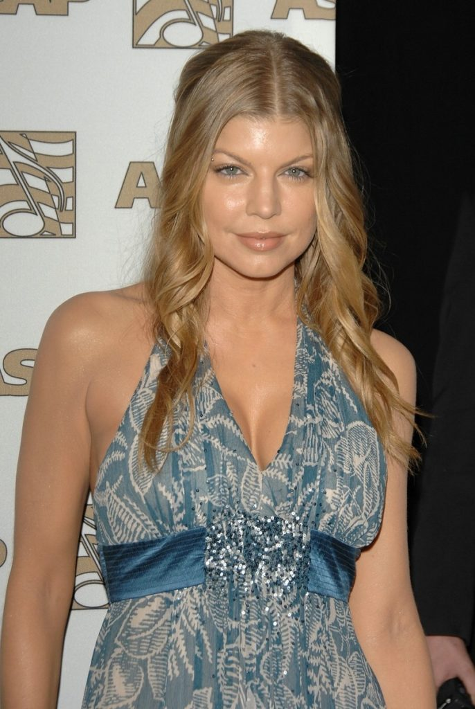 Fergie Cleavage Wallpapers