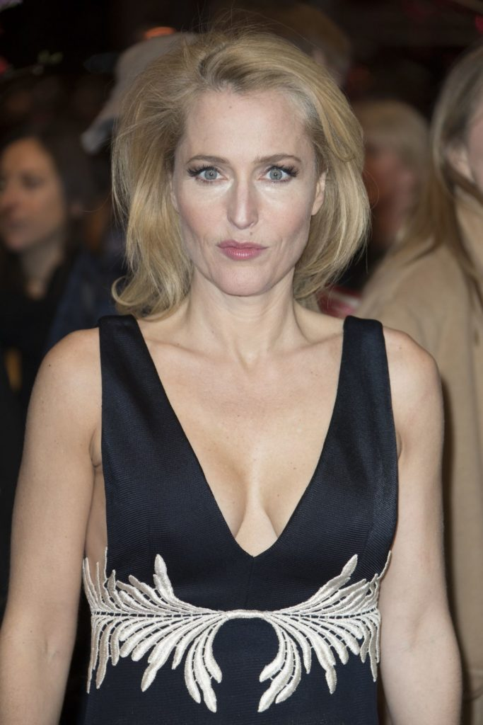 Gillian Anderson Muscles Pics