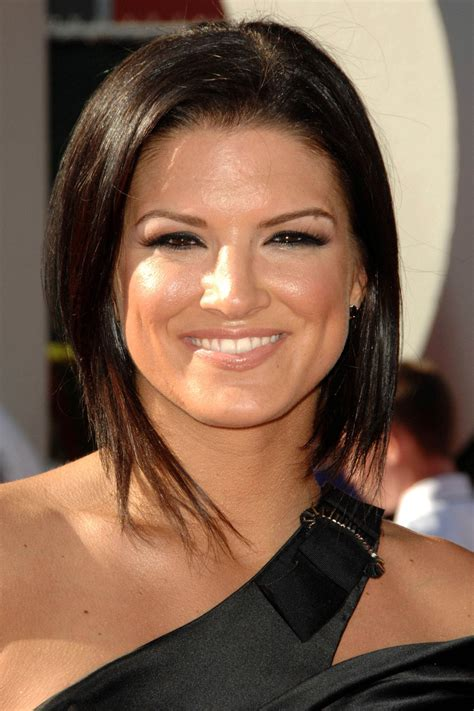 Gina Carano Cleavage Pictures