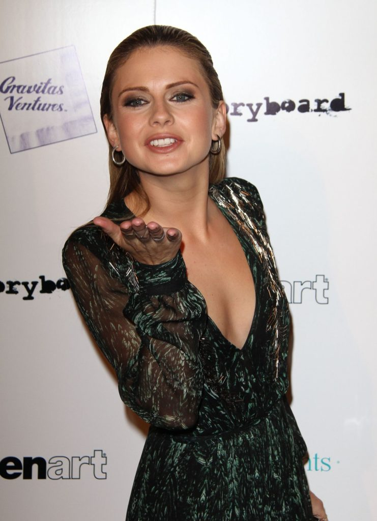 Rose McIver Hair Style Images