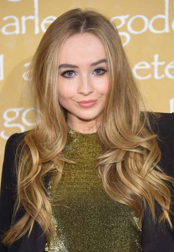 Sabrina Carpenter No Makeup Pictures