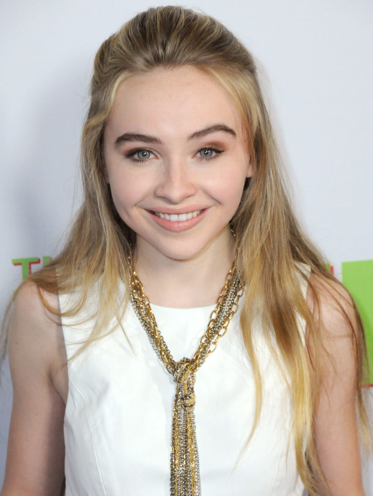 Sabrina Carpenter Without Makeup Pics