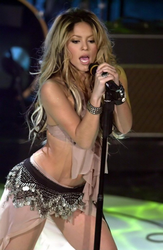 Shakira Topless Pictures