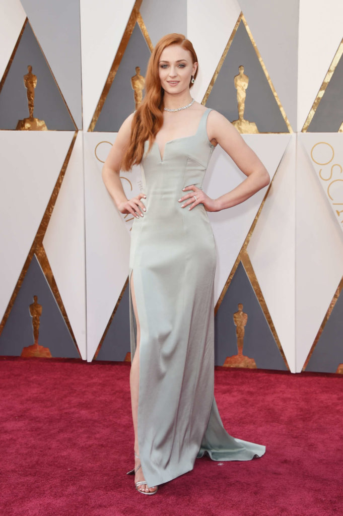 Sophie Turner Oops Moment Pictures
