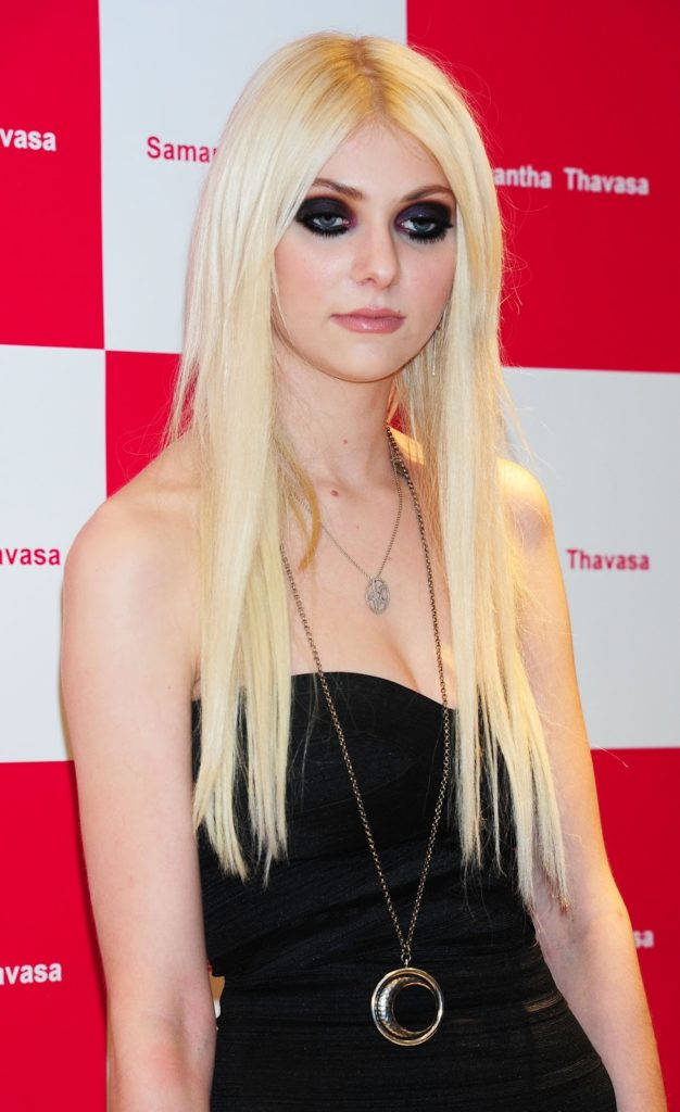 Taylor Momsen Sexy Images