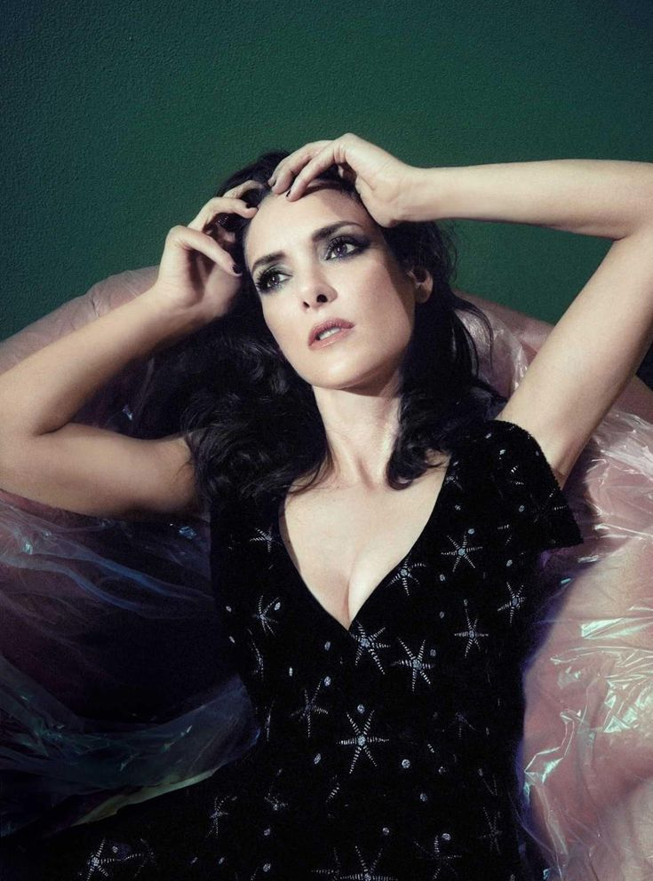Winona Ryder Cute Photos
