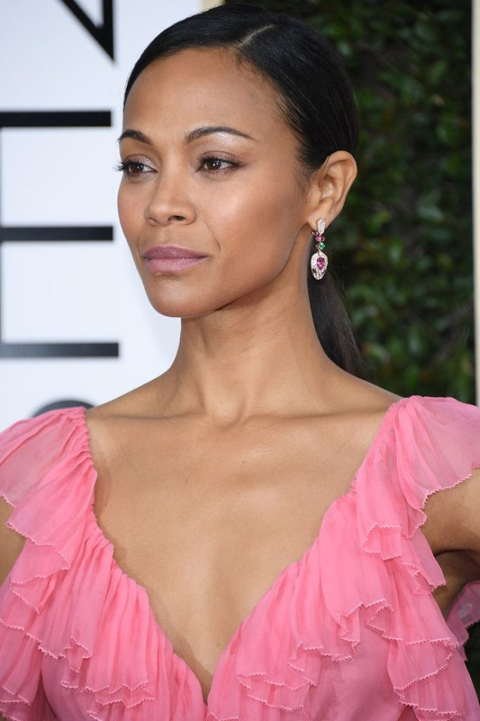 Zoe Saldana Cleavage Images