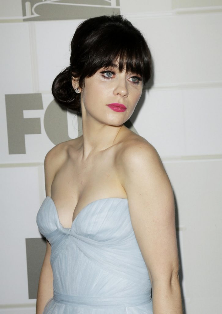Zooey Deschanel Boobs Pictures