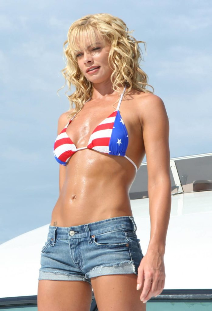 Jaime Pressly Swimsuit Wallpapers