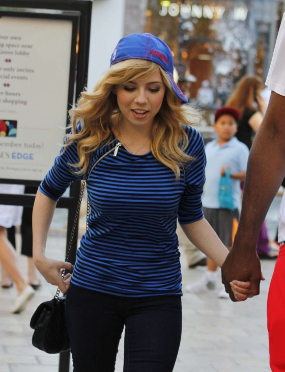 Jennette McCurdy Body Wallpapers