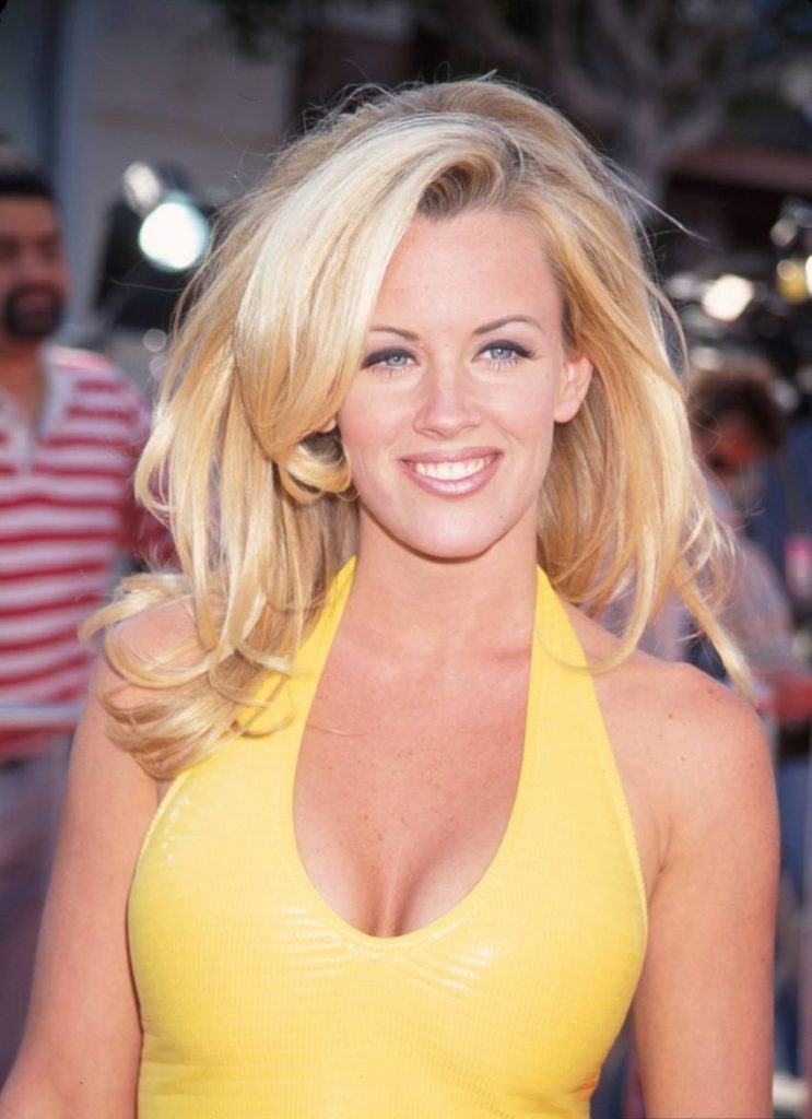 Jenny McCarthy Boobs Pictures