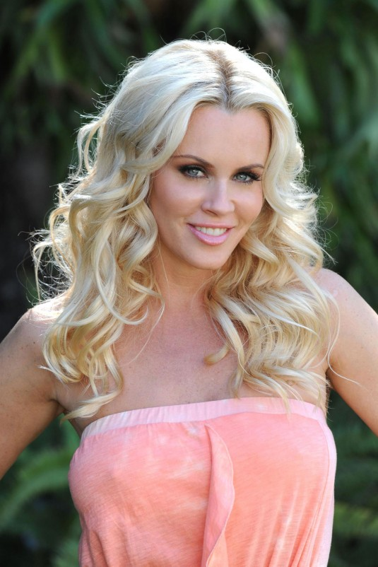 Jenny McCarthy Cleavage Wallpapers