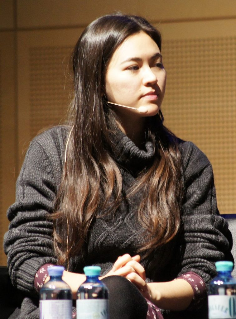Jessica Henwick Hair Style Pictures