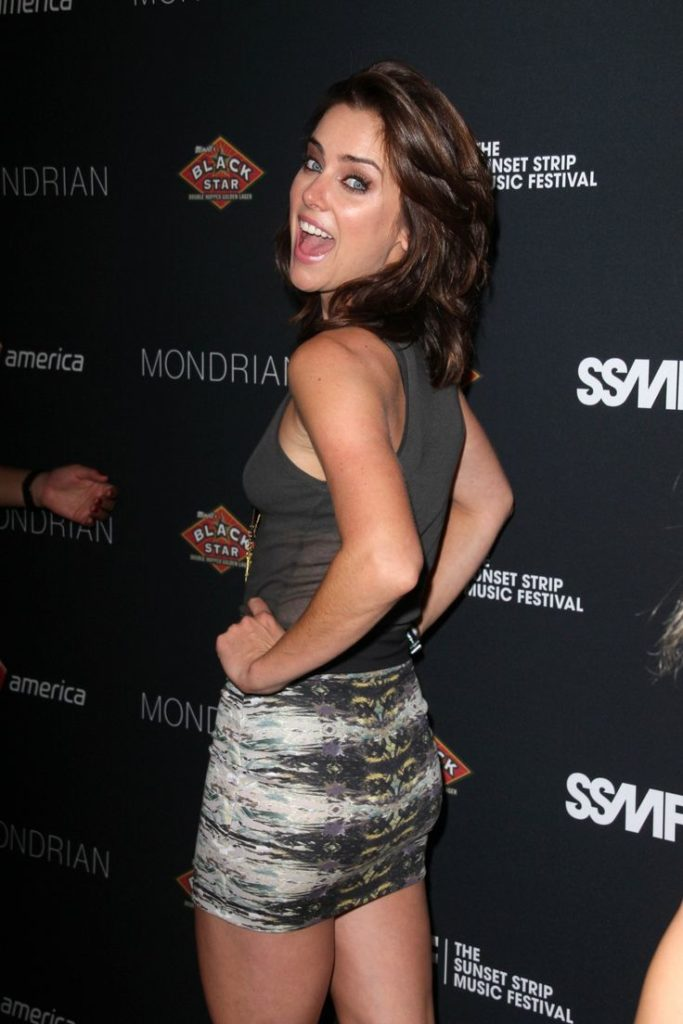 Jessica Stroup Workout Wallpapers