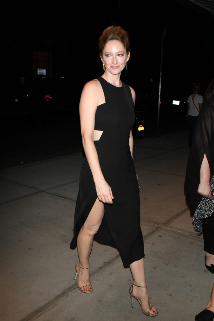 Judy Greer Legs Pictures