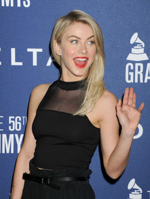 Julianne Hough Oops Moment Photos