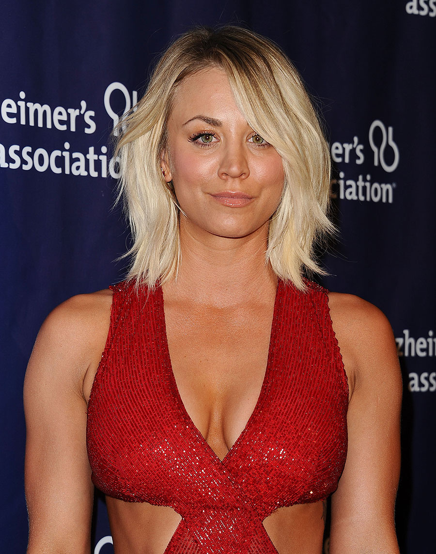 Kaley Cuoco Hot Sexy Bikini Pictures Will Win Your Hearts