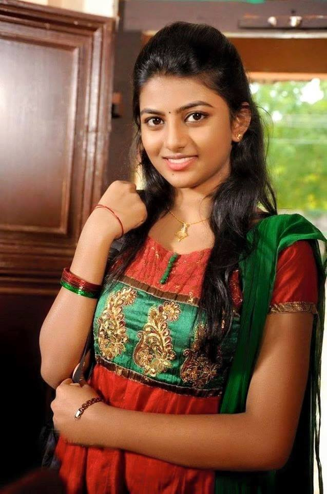 Anandhi Hot Images