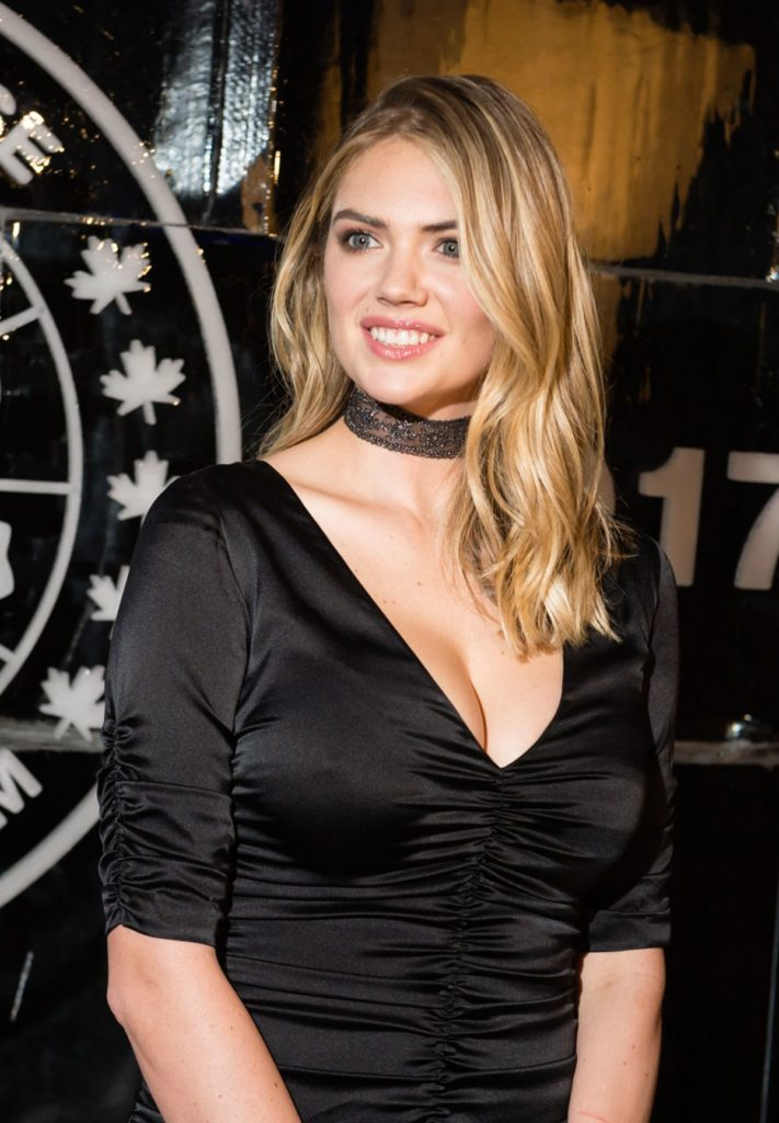 Kate Upton Cleavage Wallpapers