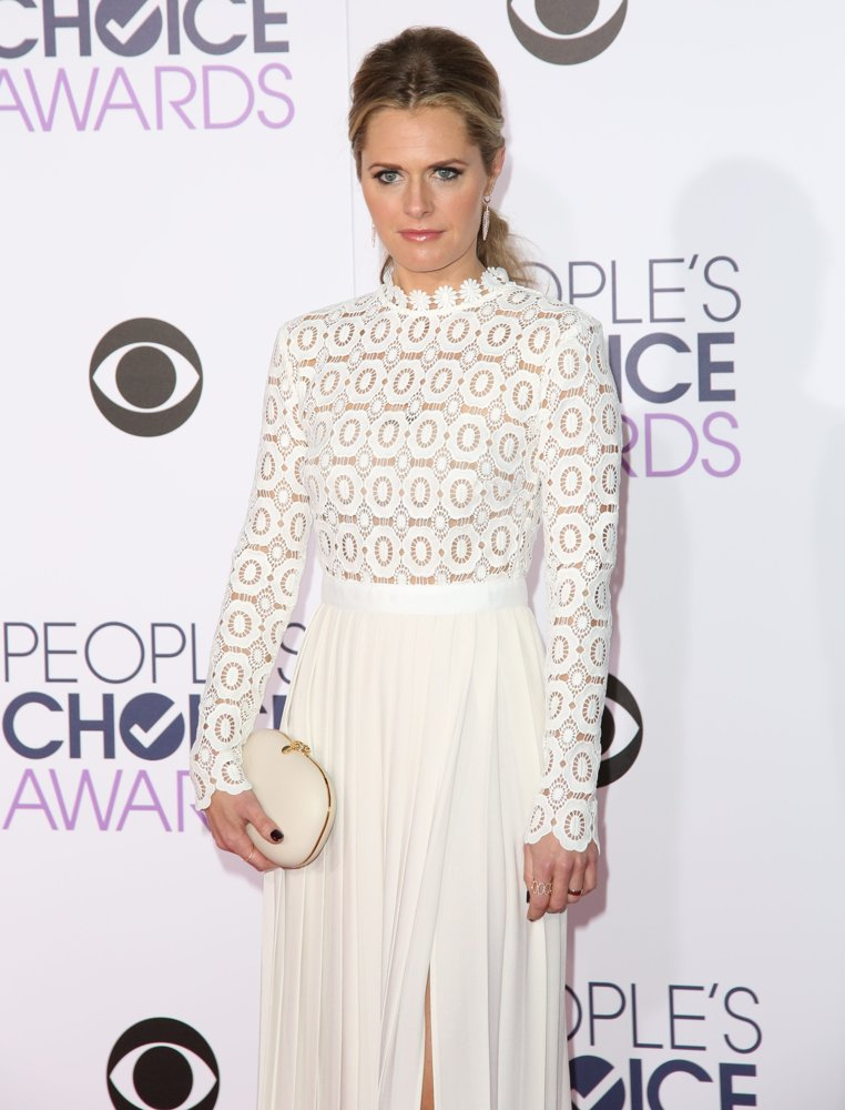Maggie Lawson Gown Images