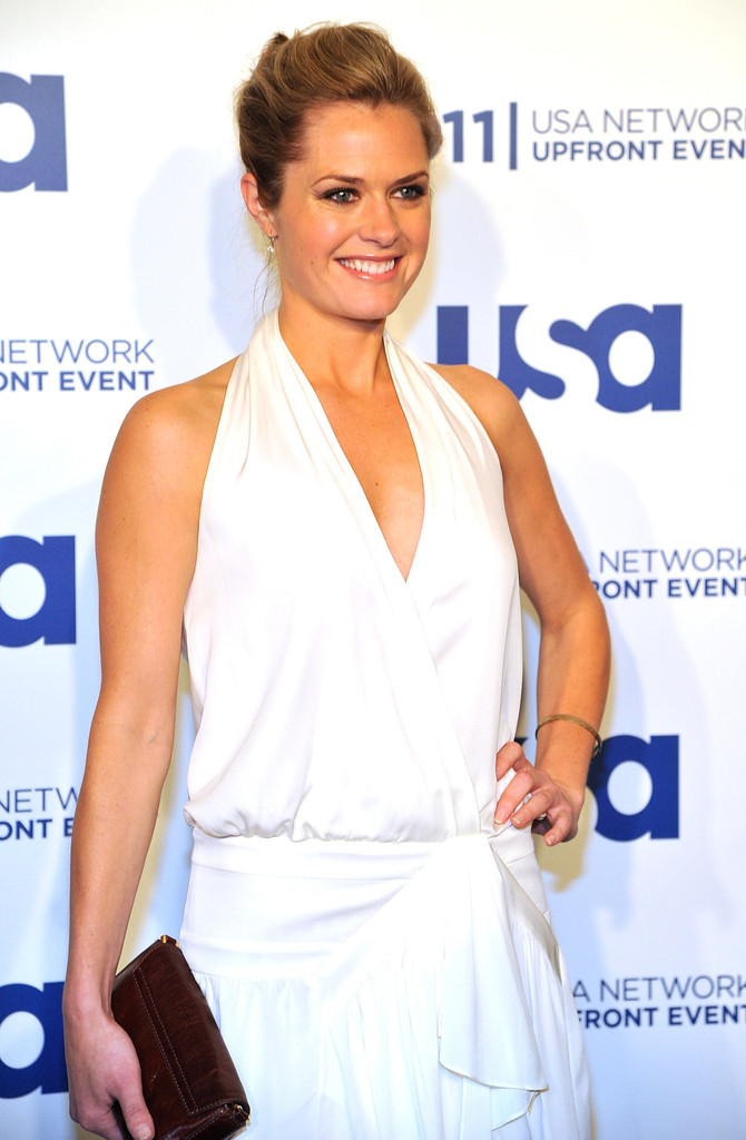 Maggie Lawson Gown Pics