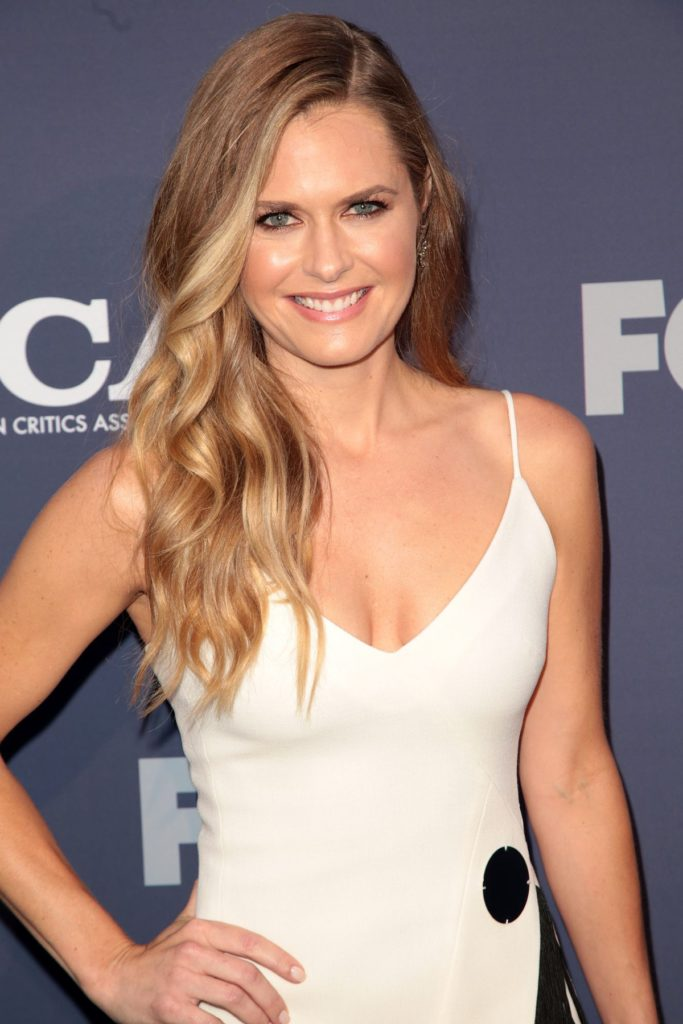 Maggie Lawson Without Bra Pics