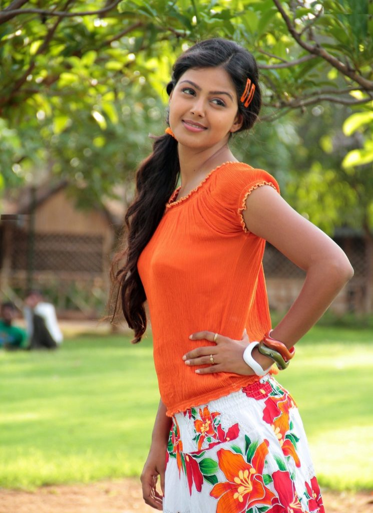 Monal Gajjar Sexy Pictures