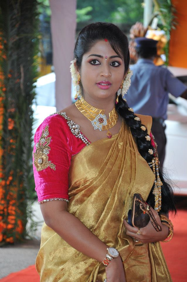 Navya Nair Hot Sexy Pictures
