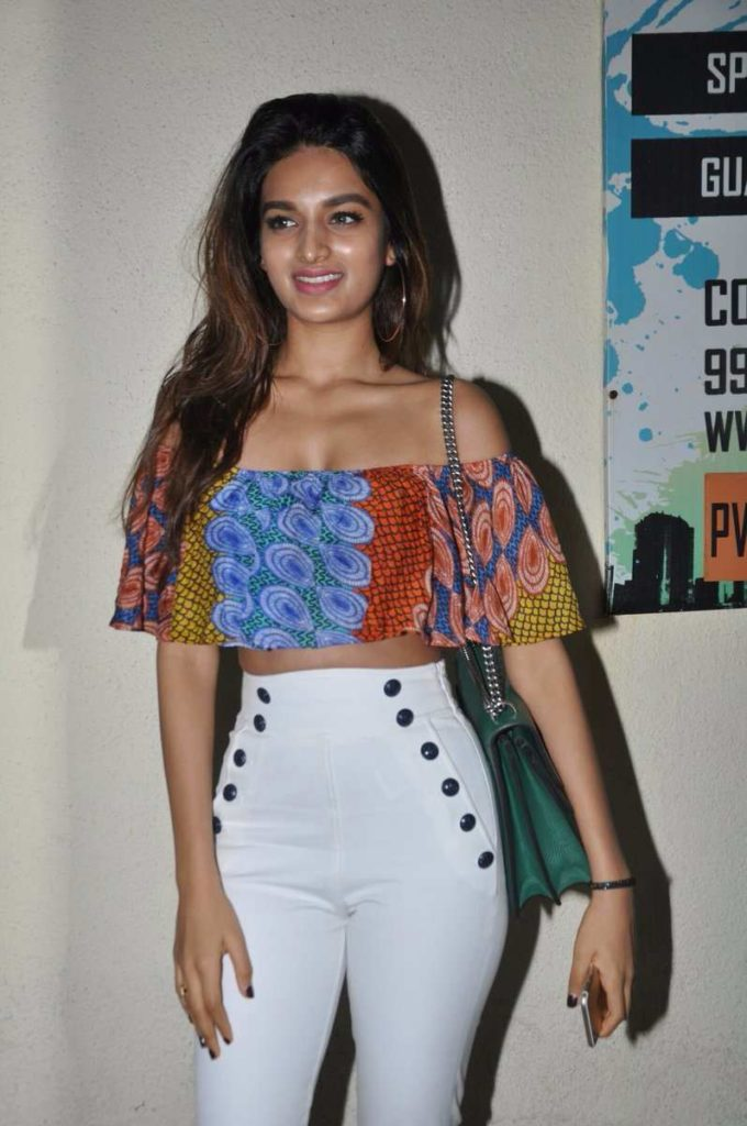 Nidhhi Agerwal Jeans Wallpapers