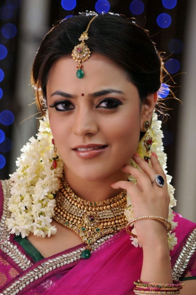 Nisha Agarwal Bride Look Images