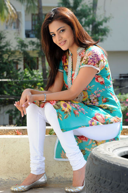 Nisha Agarwal Leggings Images